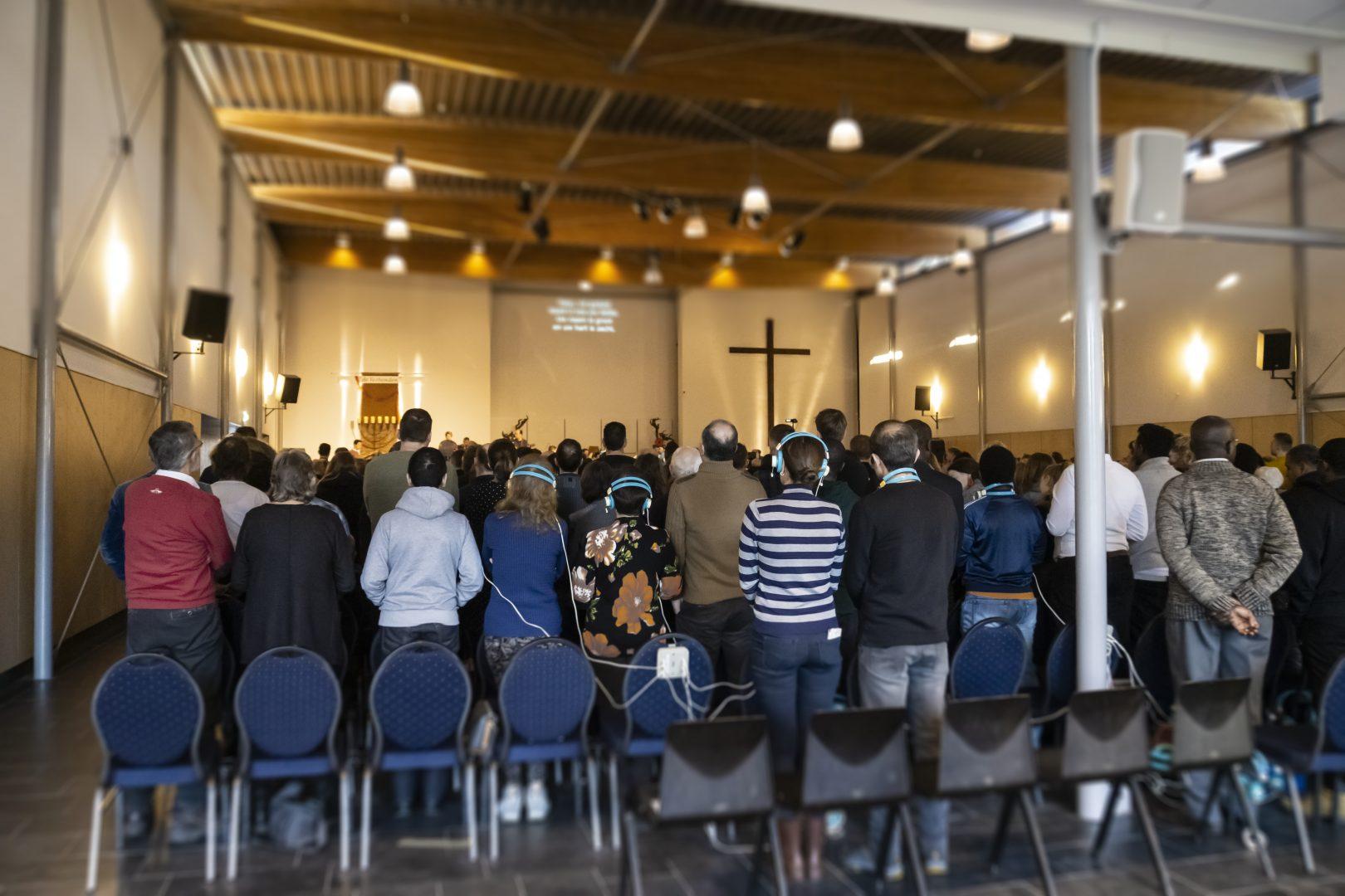 Kerkdienst achterin (2)