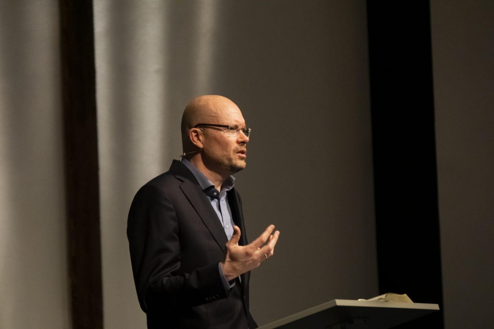 Oscar Lohuis spreekt